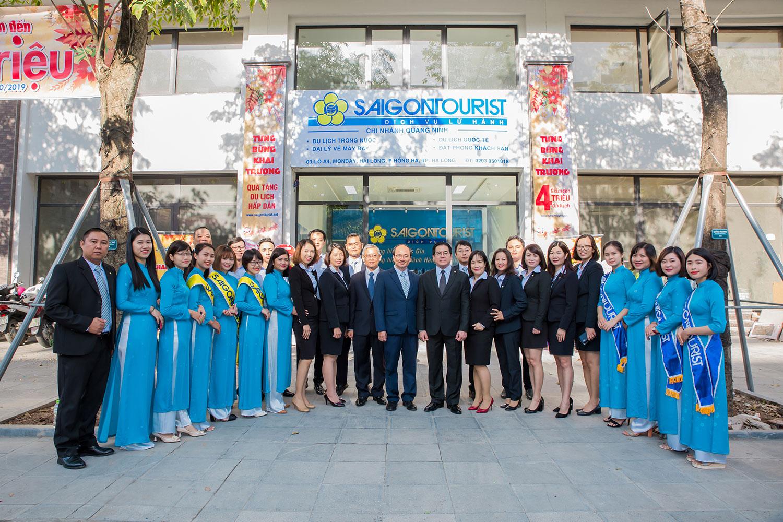 Lễ khai trương văn phòng có sự tham dự của Ông Hoàng Hữu Lộc - Chủ tịch Hội đồng thành viên, Ông Nguyễn Hữu Y Yên - Tổng Giám đốc, Công ty Dịch vụ Lữ hành Saigontourist.